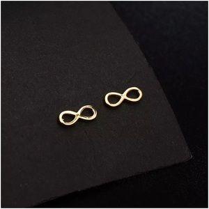 Jewelry - Infinity earrings